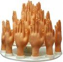 25_hands.jpg